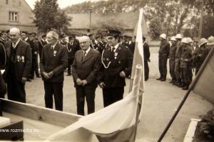 Uroczystość oddana remizy strażackiej w 1978 r. Od lewej: Ignacy Piontek, Michał Piontek, Jan Długosz i Józef Kapica