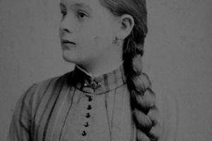 Erna  Gräfin Francken-Sierstorph (1876 - 1957)