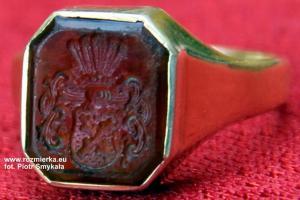 Pierścień rodowy z herbem Elsner von Gronow