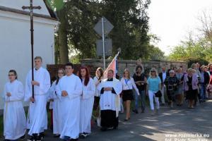 Uczestnicy procesji z Suchej