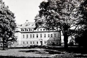 Odbudowany pałac izbicki
