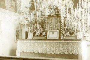 Ołtarz w kościele w Rozmierzy - rok 1950