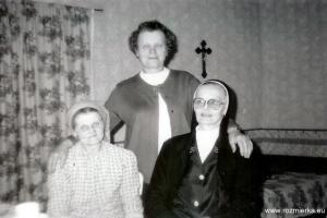SM Ditwina (1912 - 2007) - na zdjęciu z prawej